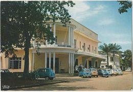 Bangui. Le Palace Hotel. Carte Grand Format. Voitures Années 70. 4L, Dauphine , Volkswagen Coccinelle - Zentralafrik. Republik