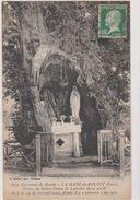 27 La Haye De Routot  Statue De Notre Dame De Lourdes Dans Un If - Routot