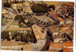 DOMPIERRE-sur-MER: L'église Paroissiale St-Pierre - Le Presbytère... - France