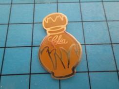 Pin1216a Pin's Pins / Rare Et De Belle Qualité !!! PARFUMS / FLACON DE PARFUM CELIA - Firemen