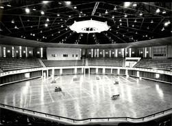 PHOTO - Photo De Presse - PYONGYANG - Corée Du Nord - Gymnase - Badminton - 1988 - Lieux
