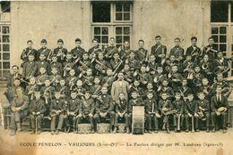 VAUJOURS - Ecole Fenelon La Fanfare Dirigée Par M Landreau Années 1922 23 Instruments De Musique - Otros Municipios