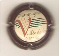 CAPSULE MUSELET CHAMPAGNE GENERIQUE VALLEE DE LA MARNE (contour MARRON) - Unclassified