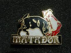 PIN'S CORRIDA MATADOR ET TAUREAU - Bullfight - Corrida