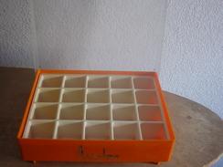 PRESENTOIR ANSELME - Beauty Products