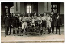 Photo Carte 1914 - Lycée Henri Martin - Equipe De Football - Saint Quentin - Photo H. Vaché - 2 Scans - Saint Quentin