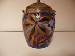 N°6 - VIEUX POT A BISCUITS EN VERRE - DIAMETRE 13 Cm HAUTEUR 19 Cm AVEC LE COUVERCLE (4 Cm) - Glas & Kristall