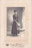 LOUVAIN Jeune Femme Par Emile MORREN Leuven Avant 1914 Format Carte Postale - Personnes Anonymes