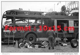 Reproduction D'une Photographie Des Ferrari 250P Sur Leur Camion De Transport Aux 24H Du Mans De 1963 - Reproductions