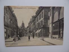 35 FOUGERES La Rue Nationale Marché Animée Carte Coupée - Fougeres