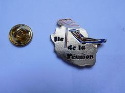 Beau Pin's , Pin Up , Ile De La Réunion - Pin-ups