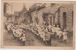53  Saint Fraimbault De Prieres Defile De La Fanfare Des Orphelins De Saint Georges De L'isle - Autres Communes