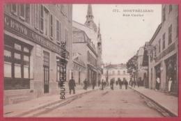 25 - MONTBELIARD----Rue Cuvier---Grand Café De La Bourse--animé---R* - Montbéliard