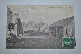 41 Domaine De Chambord   Le Village  ( Coin Abimé ) - Chambord