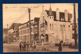 La Panne. Boulevard De Nieuport. Enfants Avec Trottinettes. Pensions René Carlos Et Nadine. 1930 - De Panne