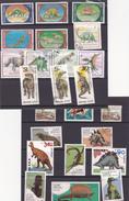 África --2 Lotes De Selos Com Dinossauros - Sellos