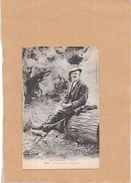 LES PYRENEES - Type De Vieux Montagnard Assis Sur Un Tronc D'arbre - LYO86 - - Otros Municipios