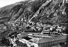 Tende - Les Casernes En 1956 - Other Municipalities