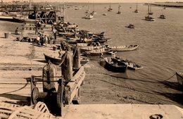 Photo Originale Vendée - L'Aiguillon-sur-Mer 85460 - Le Port De L'Aiguillon Et Ses Barques De Bois Vers 1953 - Plaatsen
