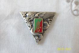 2xinsignes Légion étrangaire A Identifier - Badges & Ribbons