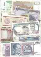 300 DIFERENTS BANKNOTES OF THE WORLD QUALITY UNC   ////// BILLETES DIFERENTES SIN CIRCULAR - Alla Rinfusa - Banconote