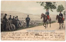 MILITARIA . PROVENCHERES-sur- FAVE (88) MANOEUVRES. CYCLISTES Et OFFICIERS à CHEVAL. ROUTE De PROVENCHERES. 1904. - Manoeuvres