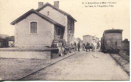 N°55902 -cpa L'Aiguillon Sur Mer -la Gare - - Estaciones Con Trenes