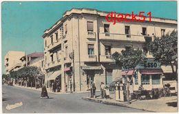 Algérie / TIZI-OUZOU (Grande Kabylie) - Avenue Abane Ramdane - 1966 / Station ESSO - Tizi Ouzou