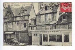 CPA Animée Elbeuf Environs De Rouen Vieilles Maisons De La Rue Guynemer C.M. N° 5 - Elbeuf