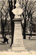 CPA PARIS (4e) Square Notre-Dame. Statue De Carlo Goldoni. (560089) - Notre-Dame De Paris
