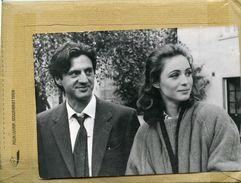 """Photo Originale De Presse - Les Comédiens  DANIEL AUTEUIL  Et  EMMANUELLE BEART  Dans """" L'amour En Douce """" - Personalidades Famosas"""