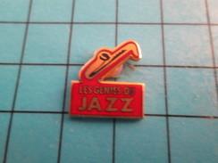 Pin1315c Pin's Pins : Rare Et Belle Qualité : MUSIQUE / SAXOPHONE LES GENIES DU JAZZ - Music