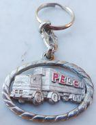 Porte  Clefs:    PELGO  -  LLAVERO SERIE ALTO RELIEVE   (  Camion / Semi Remorque ) - Key-rings