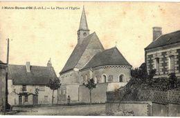 CPA N°9790 - NOTRE DAME D' OE - LA PLACE ET L' EGLISE - Andere Gemeenten