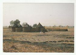 *c* BURKINA FASO - Habitation: La Case En Village Mossi - 2 Scans - Burkina Faso