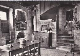 46----SAINT CIRQ-LAPOPIE--maison Du XIVe S.--monument Historique--( Intérieur )--voir 2 Scans - Saint-Cirq-Lapopie