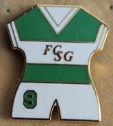MAILLOT DE FOOTBALL N°9 - FC SAINT GALL - ST GALLEN - SUISSE - SWISS - SCHWEIZ - SWITZERLAND - SOCCER - FOOT -   (18) - Football