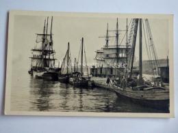 TRIESTE Vecchia Cartolina Molo TRENO VELIERO Barca Vela 22467 - Trieste