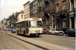 Bruxelles (1030) : L'ancien Autobus 51 Longeant Les Voies Du Tram Aux Environs De La Gare Du Nord. Carte-Photo Rare. - Transport Urbain En Surface