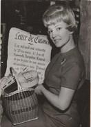 Jacqueline CAURAT,speakrine De La Télévision , Ambassadrice De L'objet Publicitaire , Paris-Tour Eiffel 28 Avril 1960 , - Célébrités