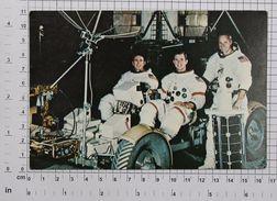 APOLLO 15 CREW (ALFRED WORDEN JAMES IRWIN DAVID SCOTT) - Vintage PHOTO POSTCARD (OST-16) - Astronomy