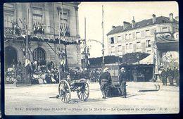 Cpa Du 94  Nogent Sur Marne -- Place De La Mairie -- Le Concours De Pompes  SEP17-33 - Nogent Sur Marne