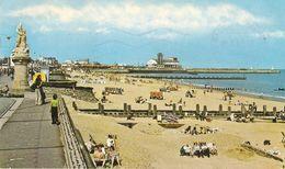 3-LOWESTOFT-BEACH AND SOUTH PIER - Royaume-Uni