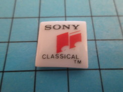 Pin811a Pin's Pins : Rare Et Belle Qualité : MUSIQUE / Pin's En Céramique SONY CLASSICAL MUSIQUE CLASSIQUE - Music