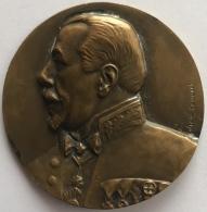 Médaille Bronze. Fernand Bernier. Bourgmestre De St. Gilles 1864-1929.  E. Canneel. Diam. 55mm - 68 Gr. - Professionnels / De Société
