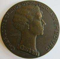 M05274  CHARLOTTE GRANDE DUCHESSE DE LUXEMBOURG  - 1935 - Son Profil  (140g)  Lion Au Revers - Jetons & Médailles
