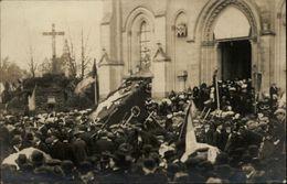 49 - CARTE PHOTO à Localiser - Coiffes Angevines - Procession - France