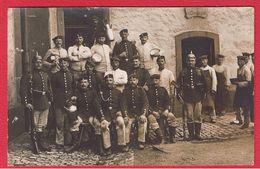 Wissembourg  --  Catre Photo  -- Soldats Allemands Dans Une Cour De Ferme --  31/05/1913 - Wissembourg