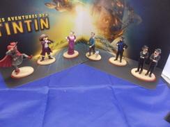 TINTIN  /  SERIE 6 FIGURINES + SON PRESENTOIR  /  OFFERTE PAR CARREFOUR MARKET 2011 - Tintin