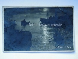 TRIESTE Vecchia Cartolina Il Porto Notturno Barche Piroscafo - Trieste